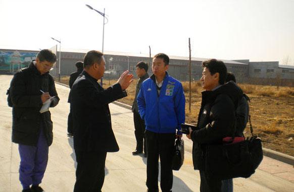 日韩客户专访誉星牌在线买世界杯增效剂(合影留念)